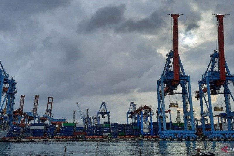 BMKG perkirakan sebagian wilayah Indonesia berawan dan hujan ringan