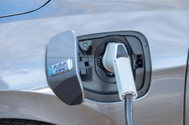 Ketua MPR tegaskan pemerintah terus dorong pengembangan kendaraan listrik