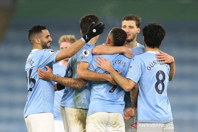 Manchester City semakin mapan di klasemen Liga Inggris selepas laga tengah pekan