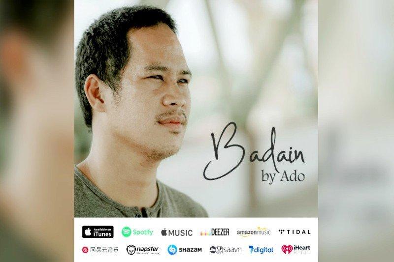Supriado, satpam bank dari Gumas yang rilis single lagu Dayak Ngaju