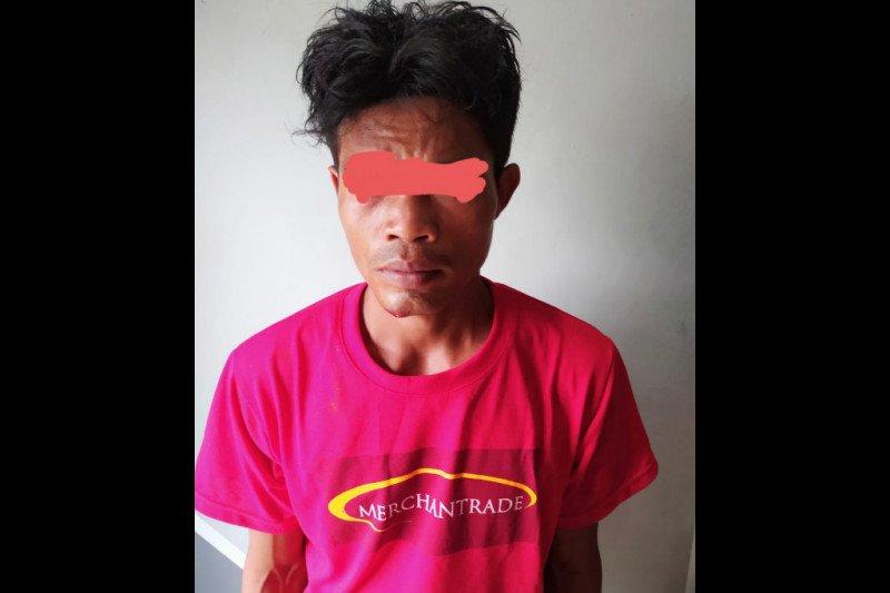 Pelaku Jambret di Jalan Lenek Lombok Timur babak belur dihajar warga