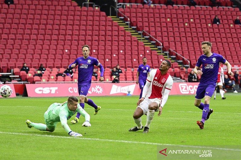 Ajax mantap di puncak setelah menundukkan Groningen