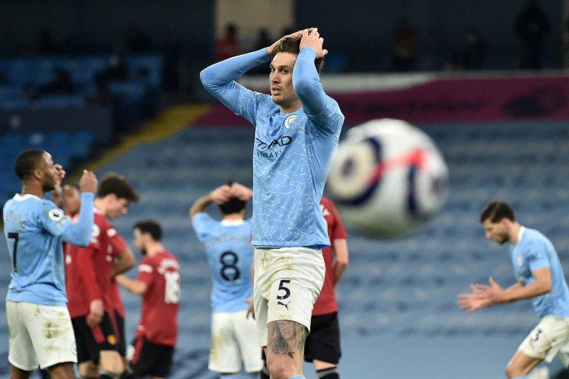 Tampil gugup, Manchester City tumbang