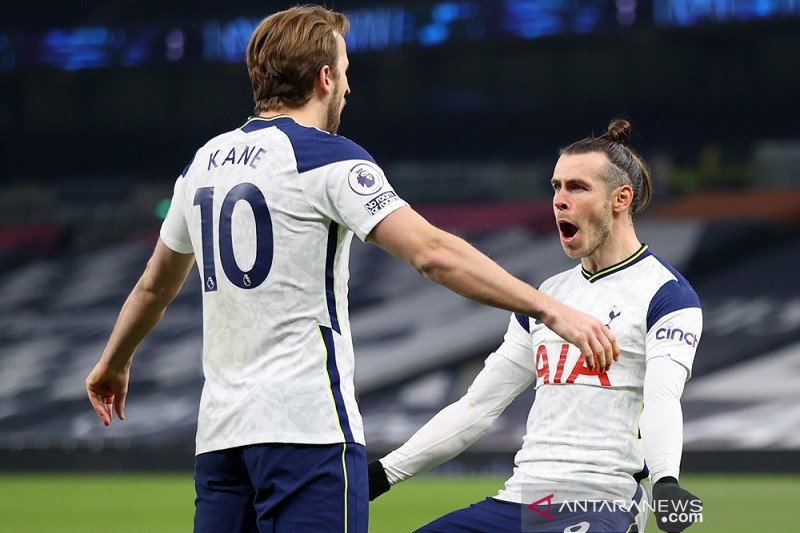 Kane dan Garet Bale cetak dua gol saat Tottenham bekuk Palace 4-1