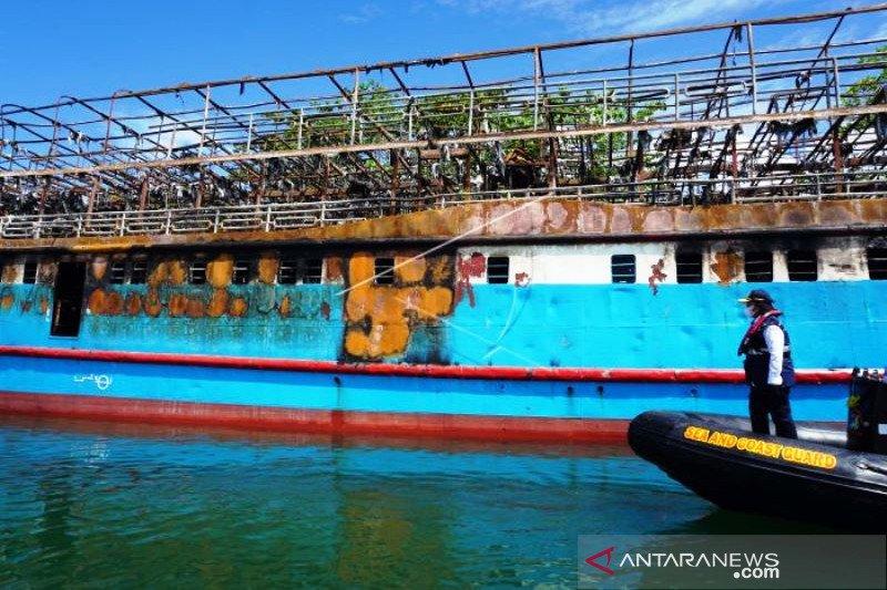 KSOP Sorong Selidiki Kebakaran Kapal Fajar Baru 8