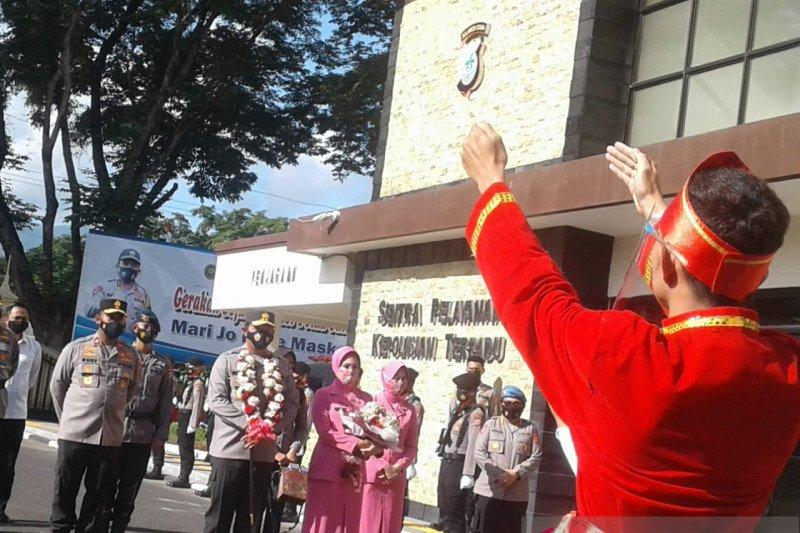 Tarian Maengket sambut kedatangan Kapolda Irjen Pol Nana Sudjana