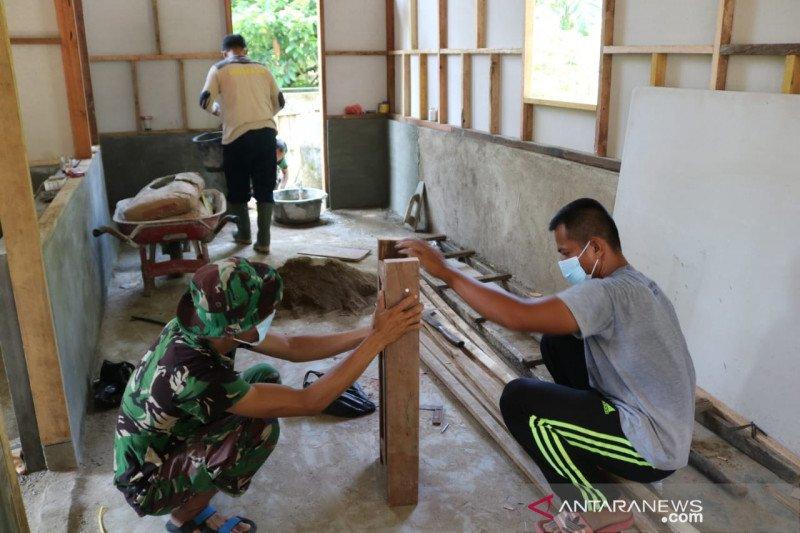 Satgas TMMD ke 110 Kodim 0308/Pariaman rehab lima unit RTLH di Nagari Salibutan