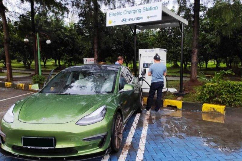 Dukung kendaraan listrik, Jasa Marga menghadirkan SPKLU di empat rest area
