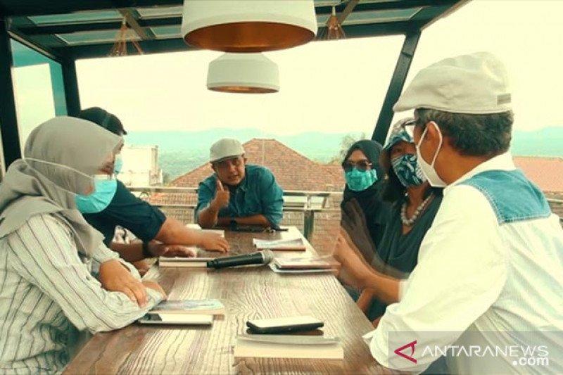 Tiga buku bertema pandemi diluncurkan secara virtual