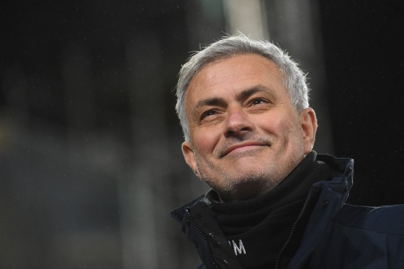 Jose Mourinho latih AS Roma musim depan