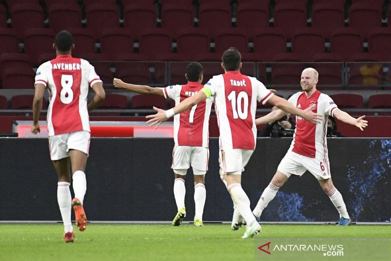 Liga Europa, Ajax gilas Young Boys 3-0