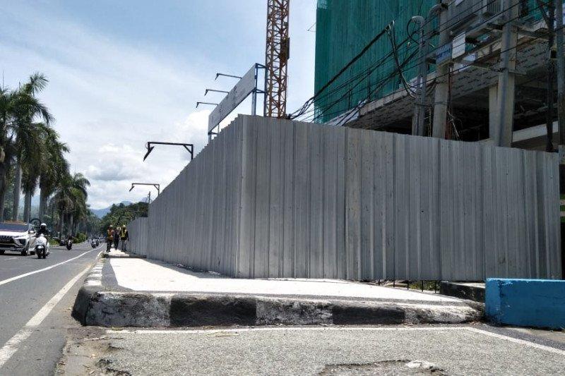 Pemkot Mataram sentil penyalahgunaan fasilitas trotoar oleh pembangunan hotel