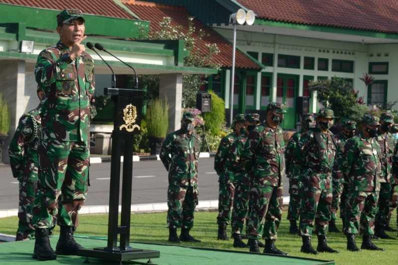 Taruna Akademi Militer latihan Pramuka Yudha di tiga kabupaten