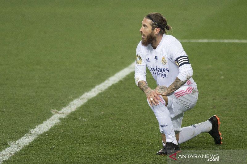 Zidane berharap Varane dan Sergio Ramos bisa perkuat Madrid lawan Chelsea