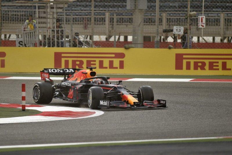 Verstappen pemuncak hari pertama tes Bahrain