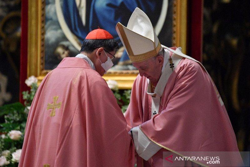 Vatikan: Gereja tidak bisa berkati penyatuan sesama jenis