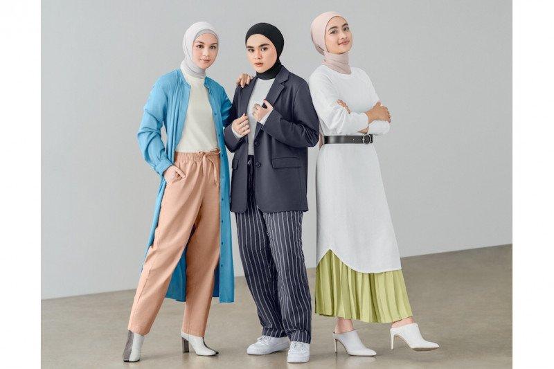 """Ayudia C, Sivia Azizah, dan Tantri Namirah merilis panduan gaya """"modest"""""""