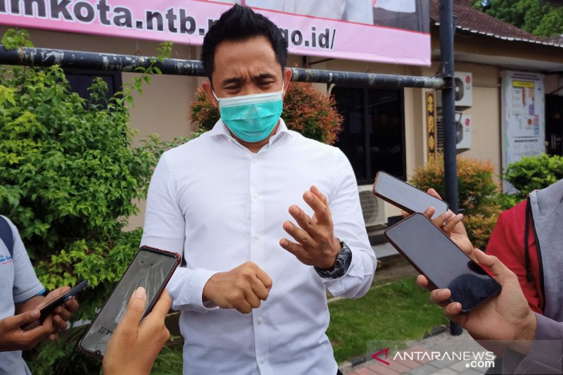 Penahanan eks anggota DPRD NTB tersangka asusila anak kandung ditangguhkan