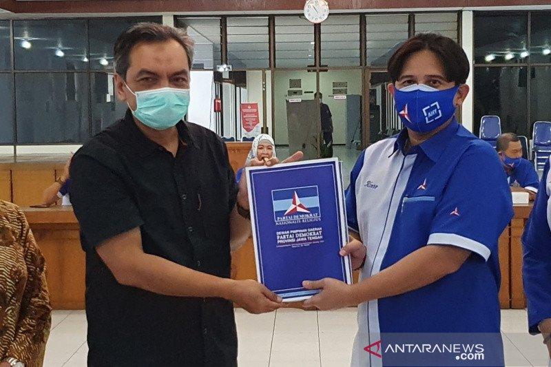 DPD Demokrat Jateng serahkan berkas legalitas partai ke KPU