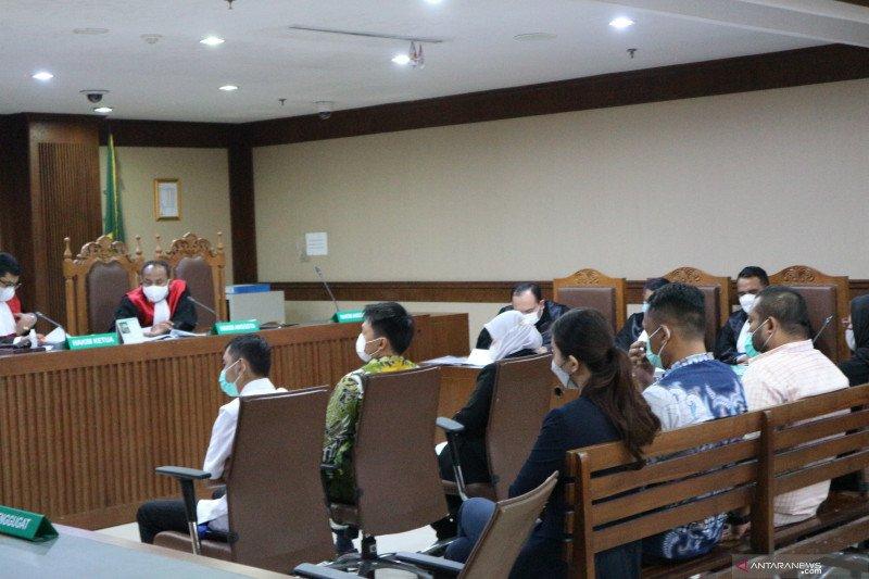 Edhy Prabowo mengaku perintahkan Dirjen Perikanan Tangkap urus benih lobster di bandara