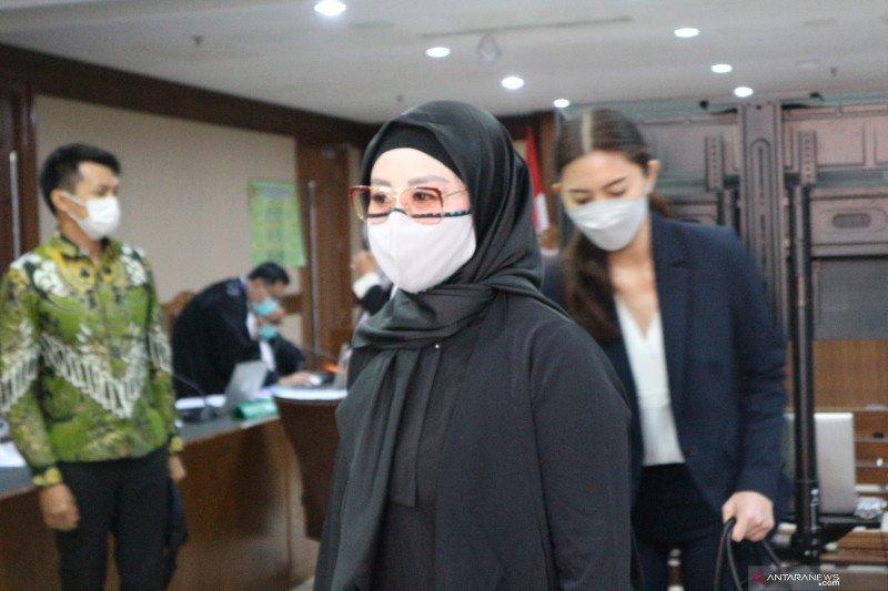 Istri Edhy Prabowo akui pinjam kartu kredit untuk belanja