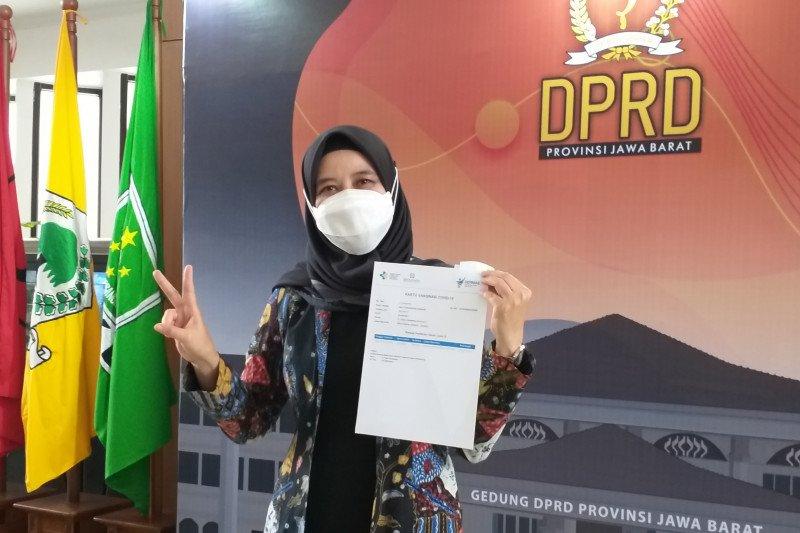 Wakil Ketua DPRD Jabar usai divaksin: