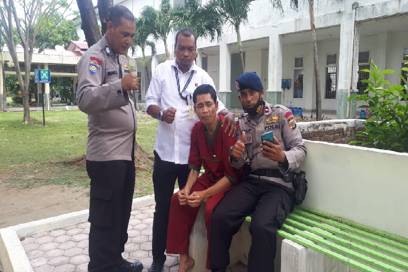 Polisi diduga hilang saat tsunami Aceh ditemukan di Rumah Sakit Jiwa