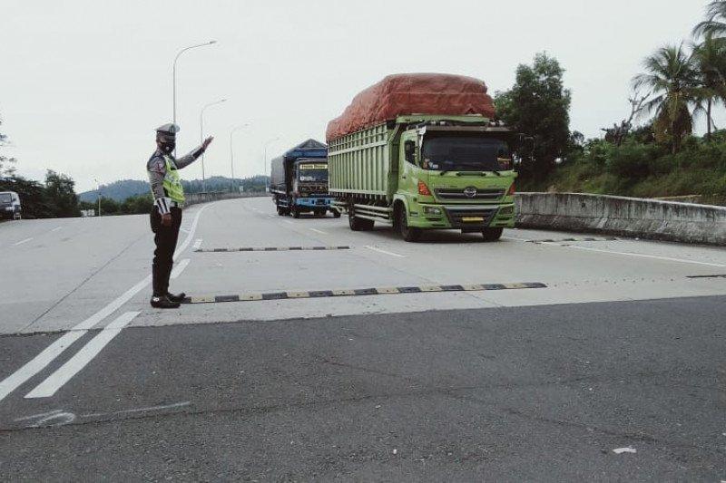 Kendaraan over kapasitas dilarang melintasi Jalan Tol Trans Sumatera
