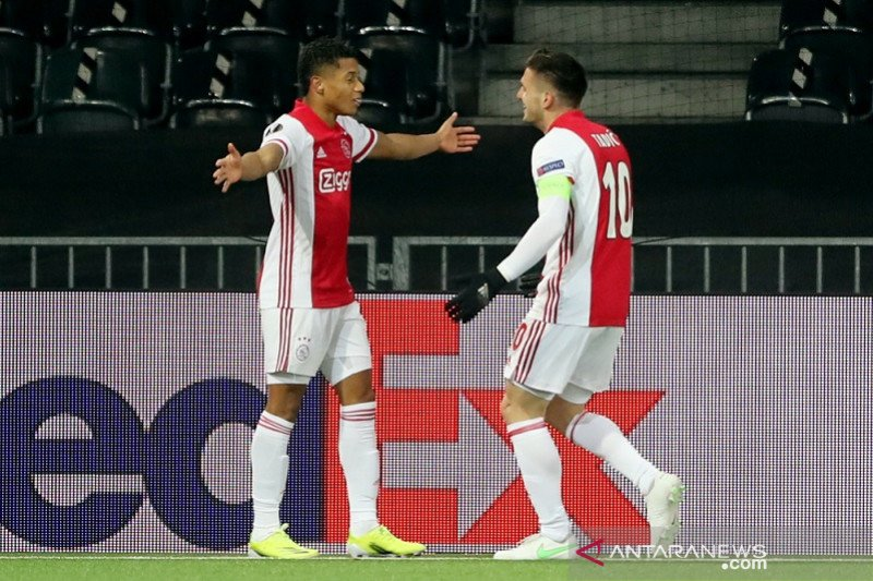Ajax melenggang ke perempat final Liga Europa