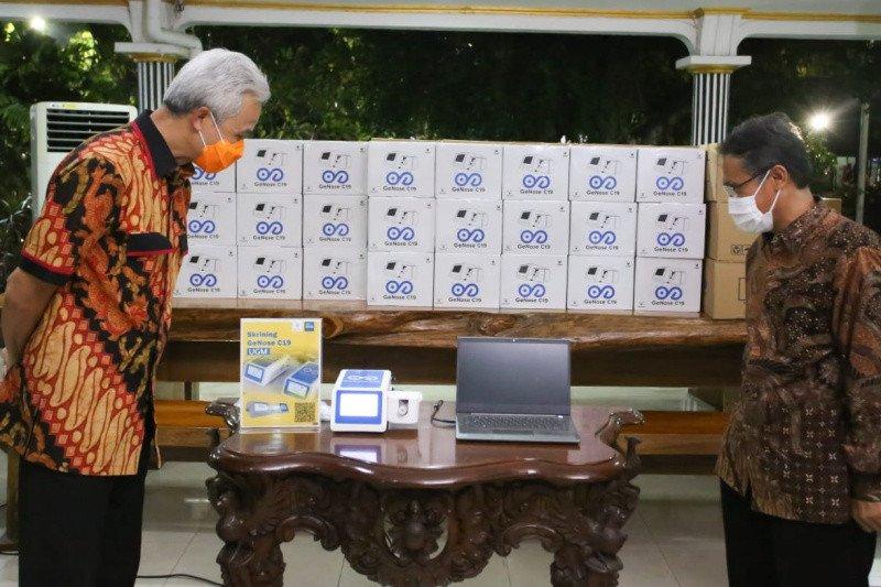 Gubernur Ganjar terima 38 GeNose C19 dari UGM