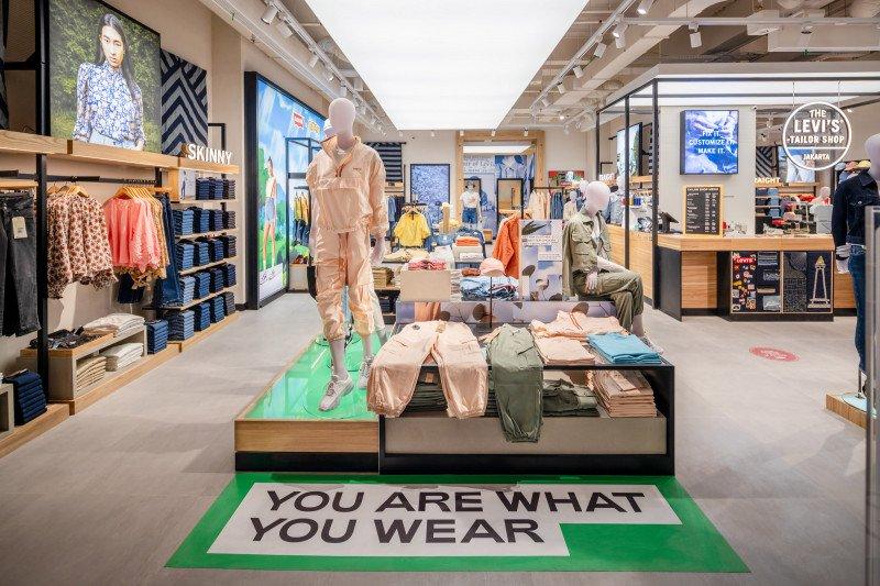 Usung konsep baru, Levi's resmikan toko terbesar di Grand Indonesia