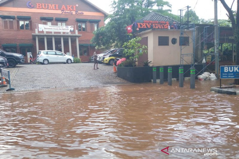 Jalan Pakansari Bogor jadi langganan banjir
