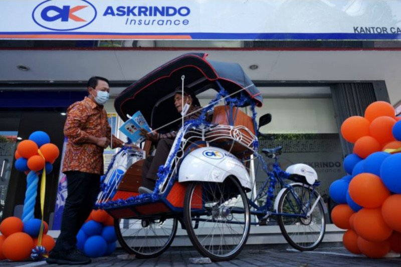 Askrindo menyerahkan becak pustaka bertenaga listrik di Yogyakarta
