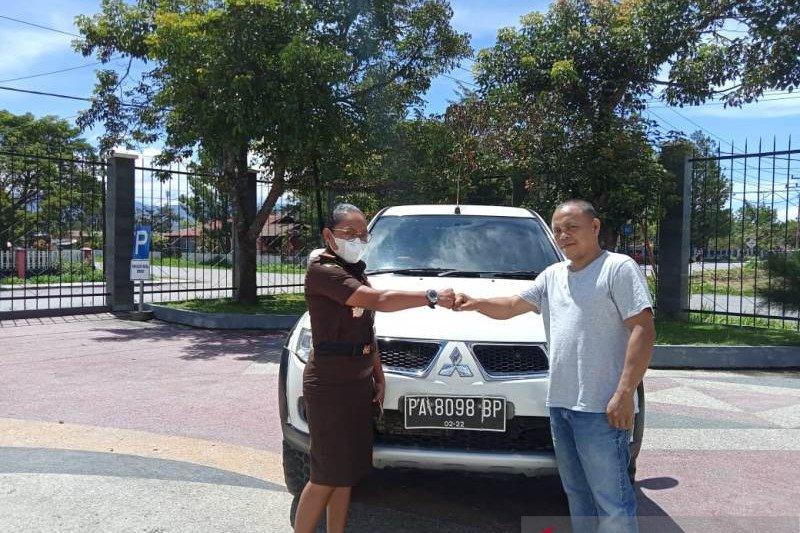 Kejaksaan Jayawijaya amankan satu mobil pajero aset Pemkab Tolikara