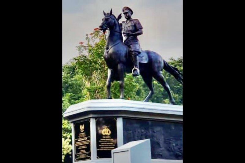 Kapolri meresmikan Monumen Pahlawan Nasional Komjen Pol Moechammad Jasin