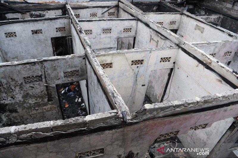 Metropolitan kemarin, kebakaran di Matraman sampai dana bansos DKI