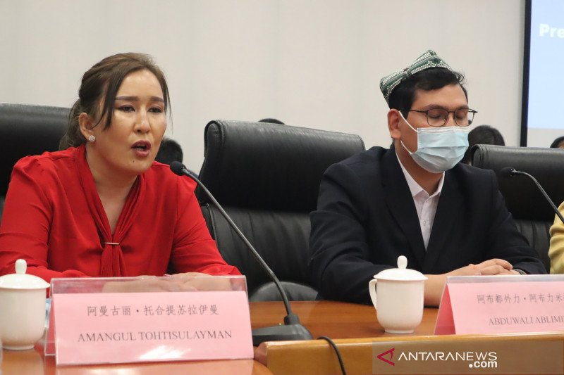 China balas sanksi Inggris  terkait isu Xinjiang
