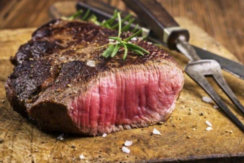 Sedikit makan daging, risiko stroke berkurang
