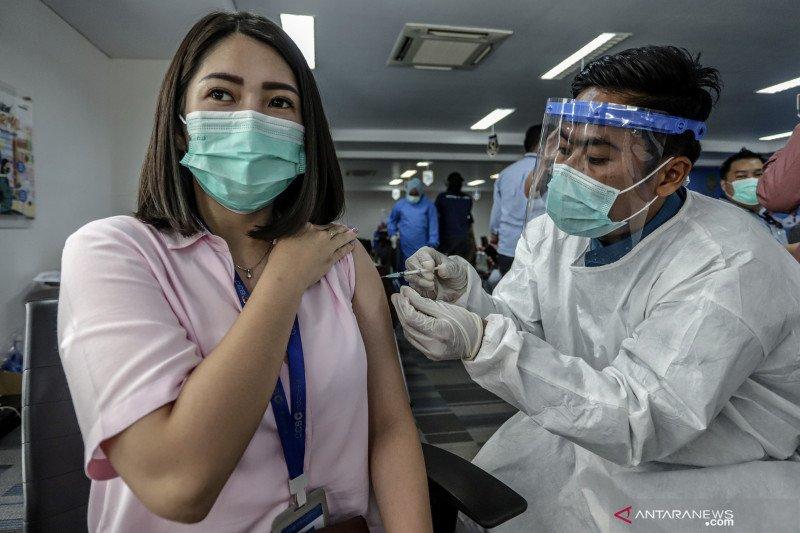 Vaksinasi COVID-19 baru tujuh persen sasaran di Kepulauan Riau