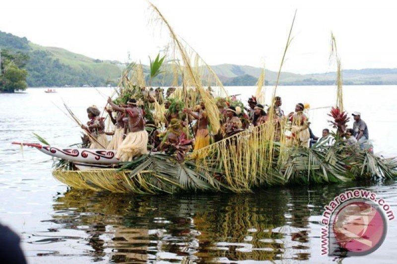 Pemkab Jayapura lakukan penataan objek wisata pantai Khalkote Sentani
