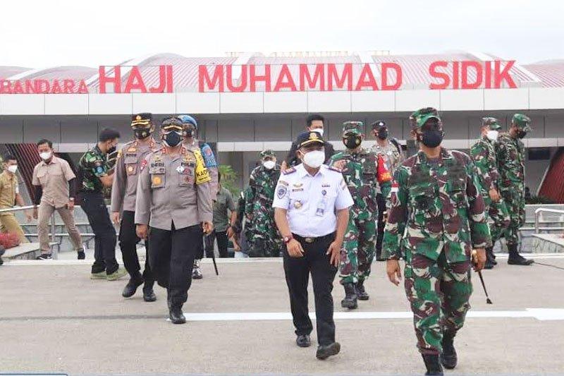 Bupati Barut sambut Pangdam di Bandara Muhammad Sidik