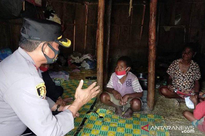 Polres Tolikara angkat anak asuh John Yikwa