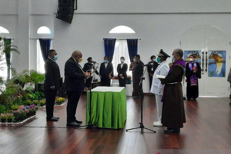 Anton Toni Mote resmi dilantik sebagai Penjabat Bupati Nabire