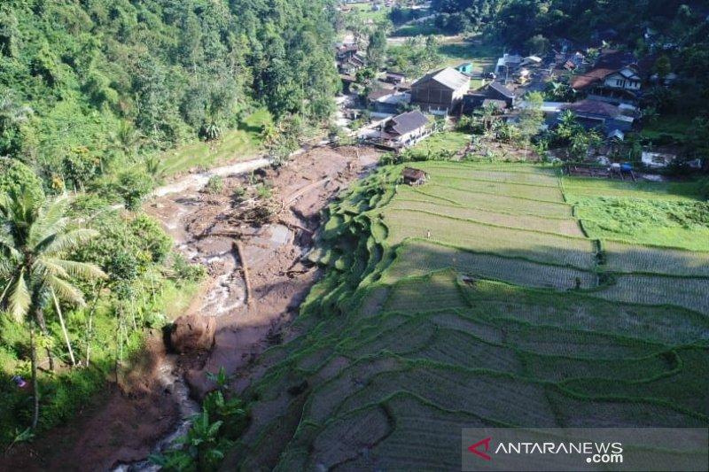 Tim BPBD Sumedang telusuri penyebab banjir bandang di Citengah