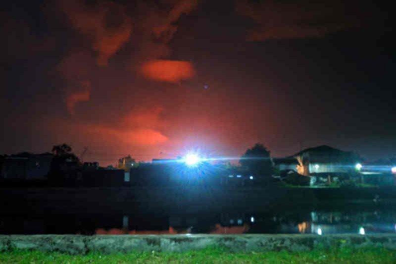 Pertamina upayakan pemadaman  kilang Balongan dan evakuasi warga