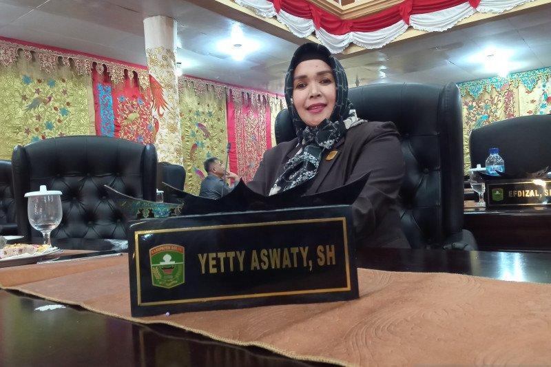 Legislator Kabupaten Solok minta Dinas Pertanian selesaikan persoalan kelangkaan pupuk subsidi