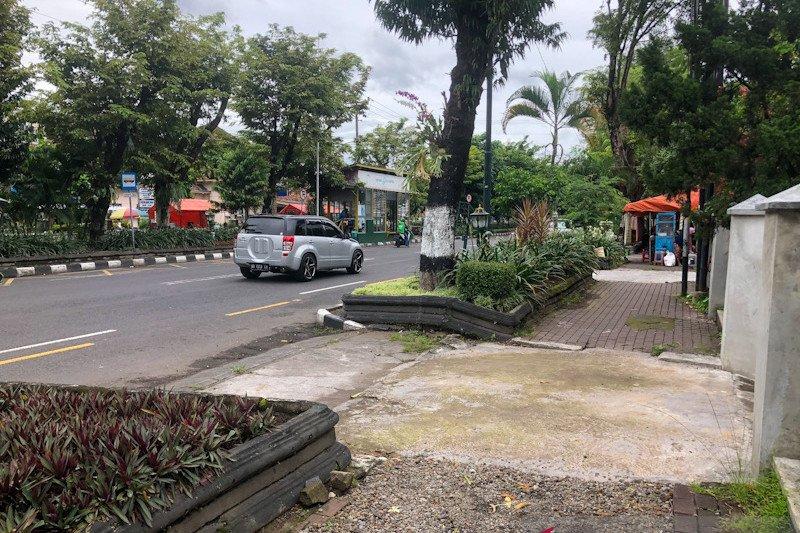 Penataan pedestrian Jalan Sudirman Yogyakarta sekaligus tata fiber optic