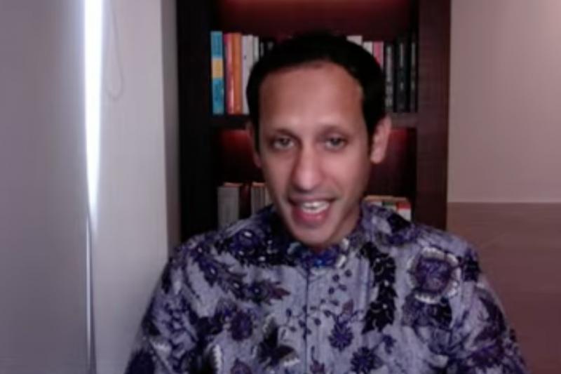 Mendikbud Nadiem Anwar Makarim katakan PTM terbatas berbeda dengan masuk sekolah normal