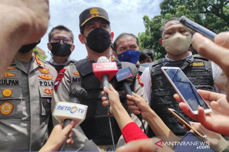 Kapolri tawarkan anak Satpam Gereja Kathedral Makassar jadi polisi