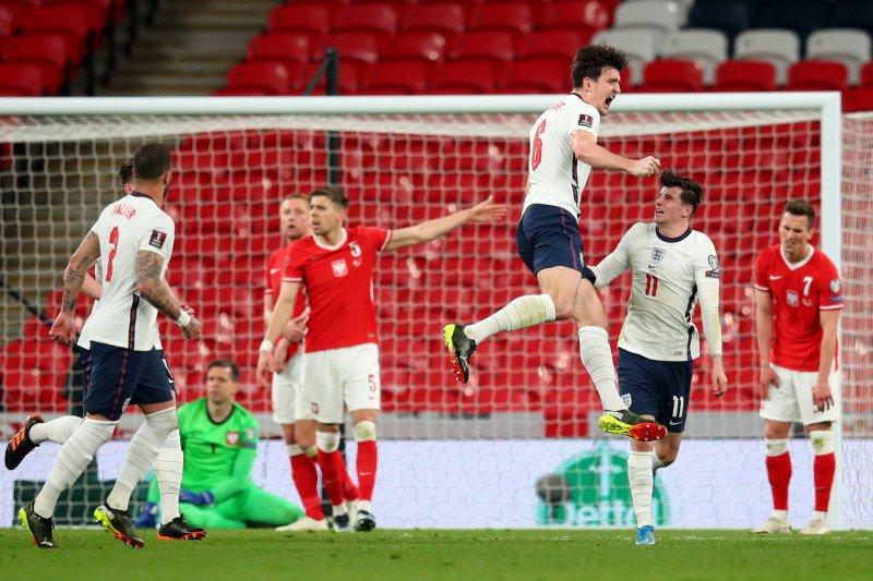 Maguire bawa Inggris  kalahkan Polandia 2-1